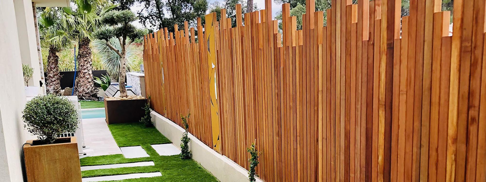 Entretien de jardin sainte maxime d broussaillage for Debroussaillage jardin